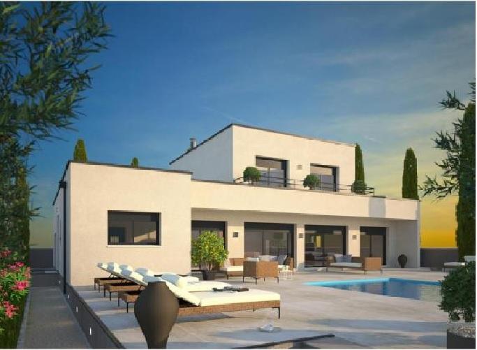 Villa R+1 spacieuse avec piscine